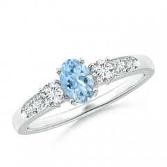 Three Stone Oval Aquamarine and Diamond Ring with Accent
