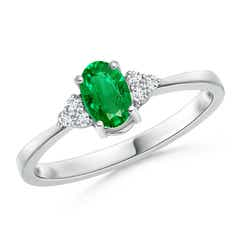 Solitaire Oval Emerald Ring with Trio Diamond Accents