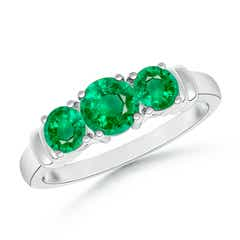 Vintage Style Three Stone Emerald Wedding Band