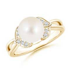 Freshwater Cultured Pearl Ring with Diamond Leaf Motifs