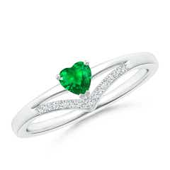 Solitaire Heart Emerald and Diamond Chevron Ring