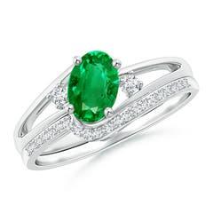 Oval Emerald and Diamond Wedding Band Ring Set